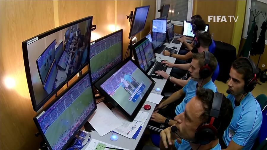 Mengenal VAR, Teknologi Canggih di Piala Dunia 2018 2